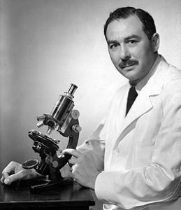 sidney-farber-at-microscope